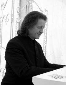 Eugene Portman - Jazz Pianist. Can be hired as a pianist in Sussex, Surrey, Hampshire, Kent, Essex, London, Berkshire, Hertfordshire, Buckinghamshire and the rest of the UK